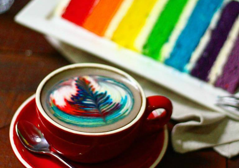 I Am cafe rainbow cake latte